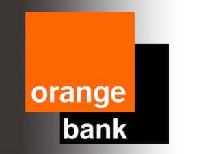 ORANGE EXPANDS INTO BANKING BUSINESS